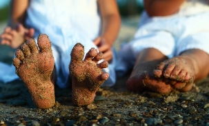 sandy-feet-kids