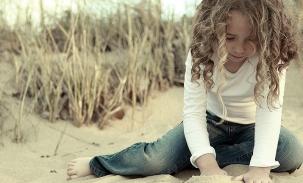 sarah-in-sand