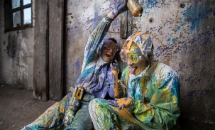 paint poured on head engagement session