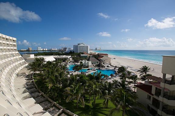 grand-park-royal-wedding-cancun-mexico-1