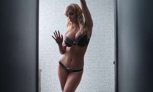 boudoir photo behind glass