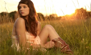 ally-grass-with-boots