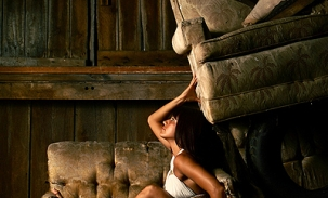 amber-barn-couch