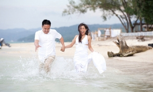 tev and ryan trash the dress in jamaica