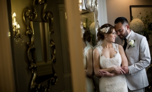 Bride-and-groom-in-mirrors
