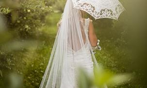 Erika-with-vintage-umbrella